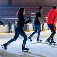 22-Partager-Soirees-givrees-Patinoire-credit-Didier-Gourbin_ER.jpg