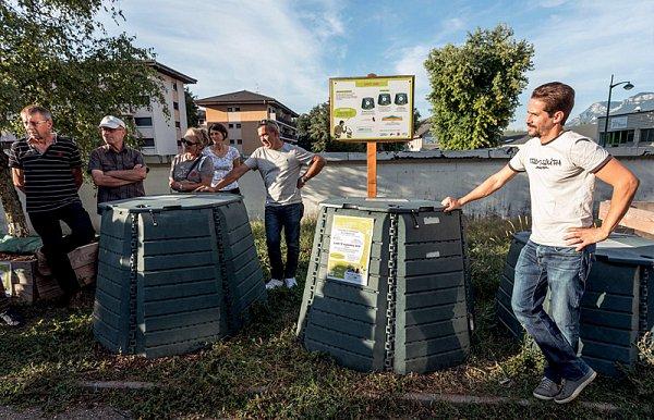 14-distribution-composts-murs-credit-Didier-Gourbin.jpg