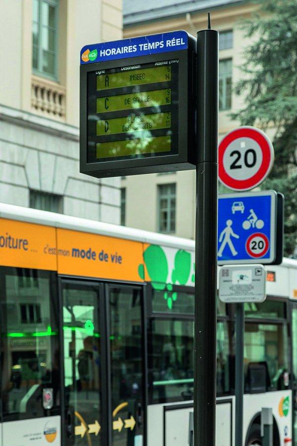 16-photo-bus-_CM_040299_A5.jpg